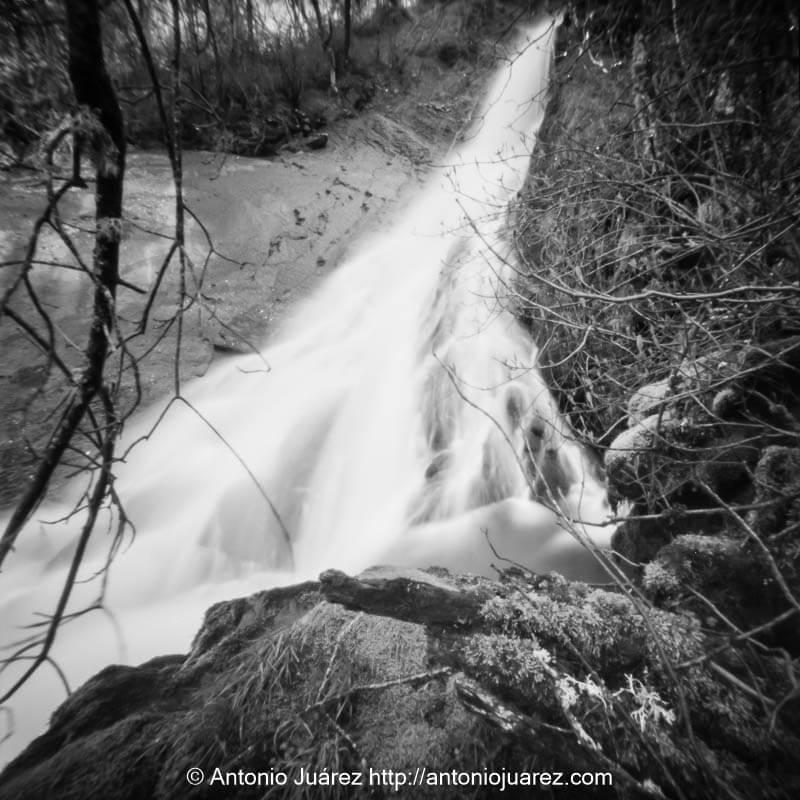 Cascada en León. Fotografía estenopeica Nopo 120